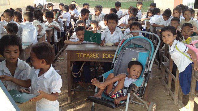 آموزش و معلولیت: تحلیل دادهها از ۴۹ کشور
